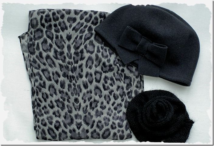 scarf Oasis, Hat Hexeline, flower brooch Solar